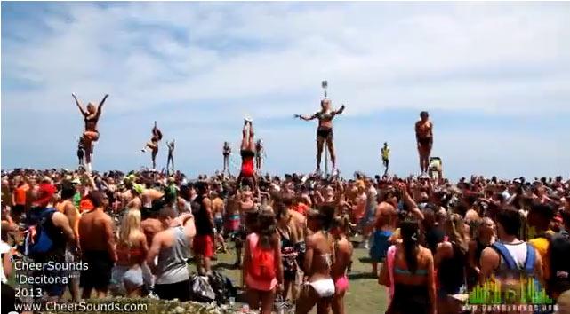 Bikinis lányokat dobálnak – CheerSounds – Dream Big
